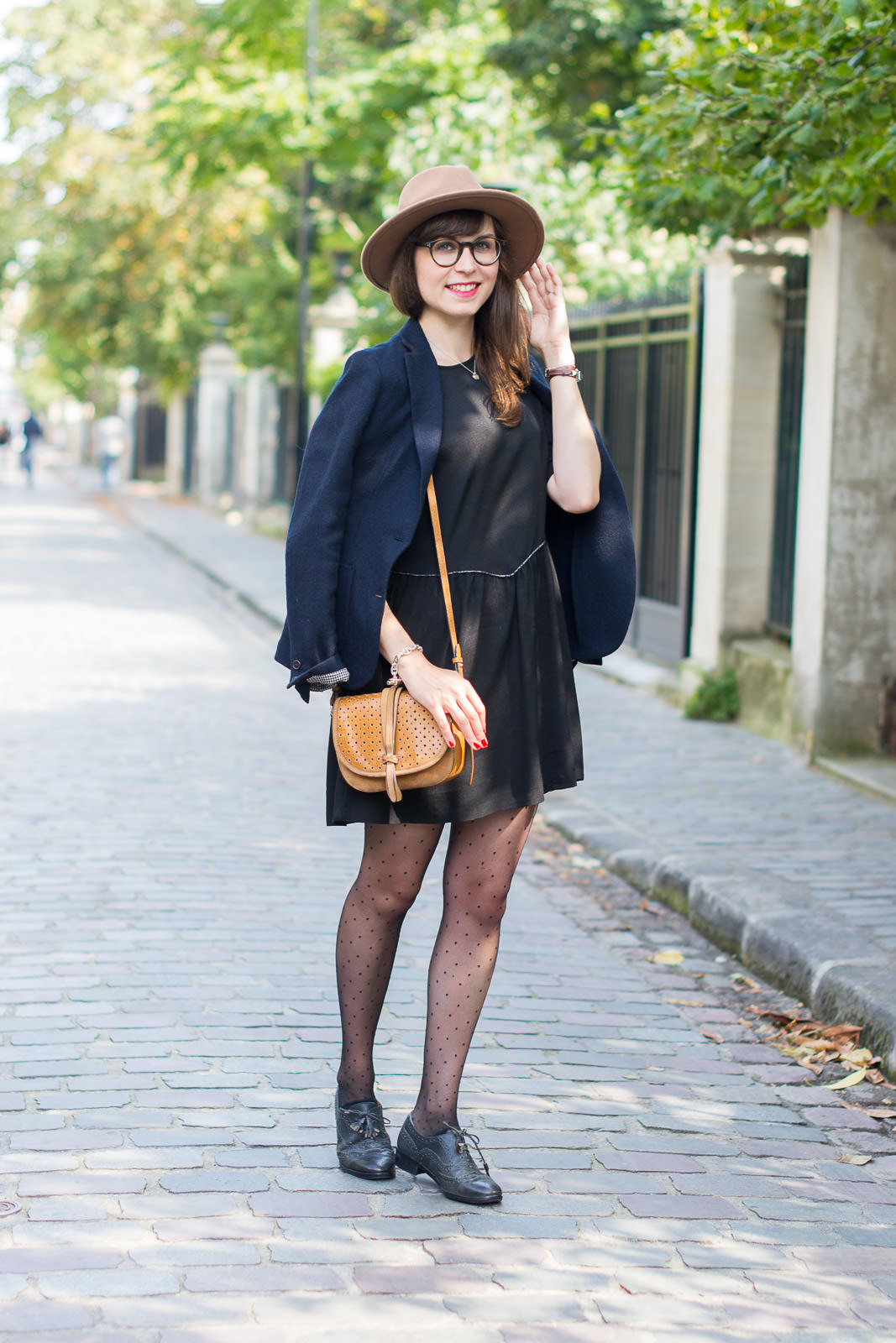 Blog-Mode-And-The-City-Looks-Monshowroom-La-petite-robe-noire