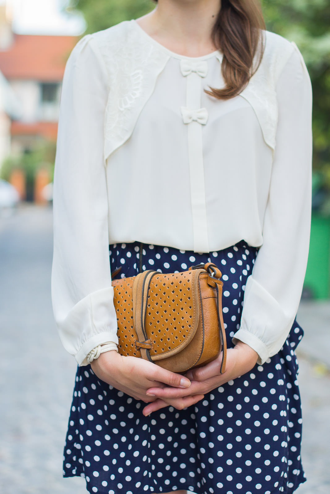 Blog-Mode-And-the-City-Looks-Pois-Dentelle-Tweed (11)