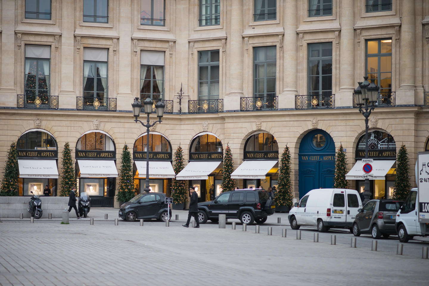 Blog-Mode-And-The-City-Looks-Noel-Place-Vendome-5