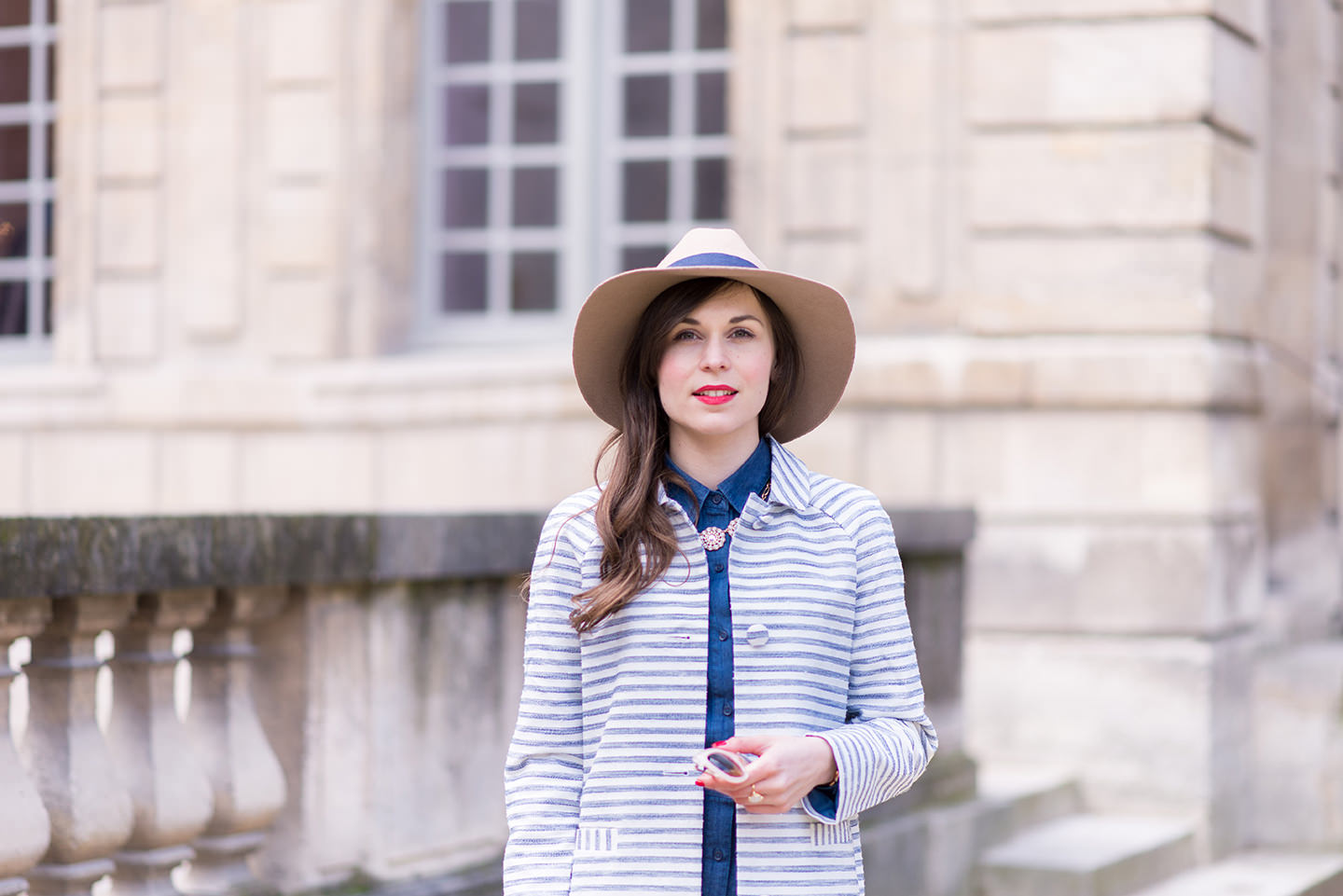 Blog-Mode-And-The-City-Looks-Le-manteau-raye-Mademoiselle-R-5