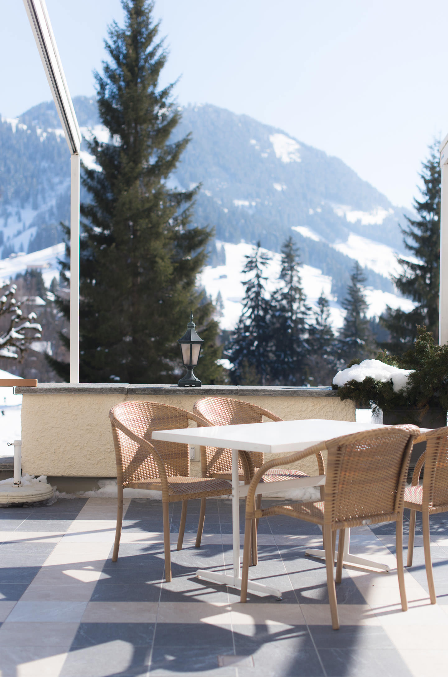 Blog-Mode-And-The-City-Lifestyle-Parenthese-Enchantee-Gstaad-Suisse-Glacier-3000-restaurant-altitude-4