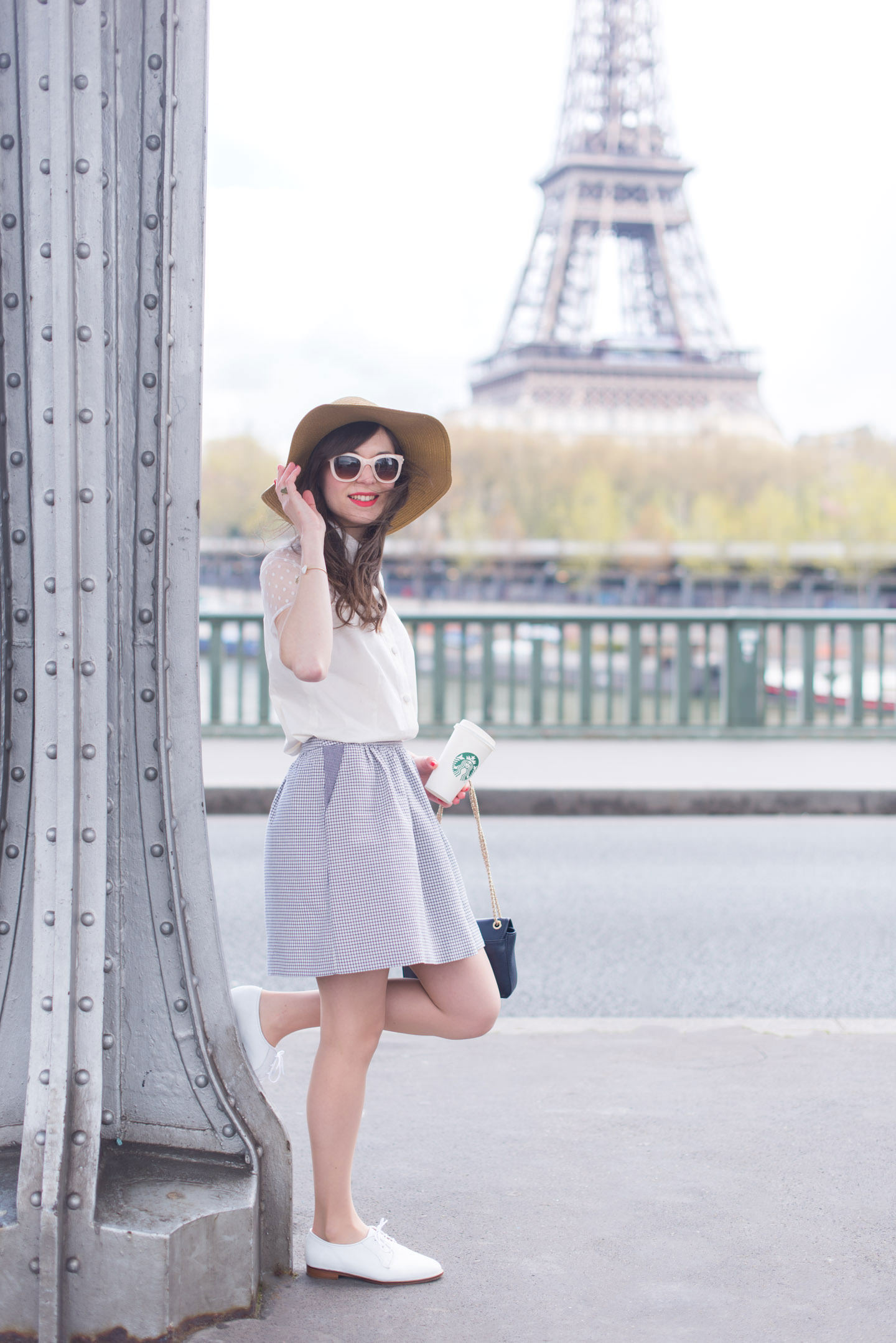 Blog-Mode-And-The-City-Looks-Le-Pont-de-Bir-Hakeim-2