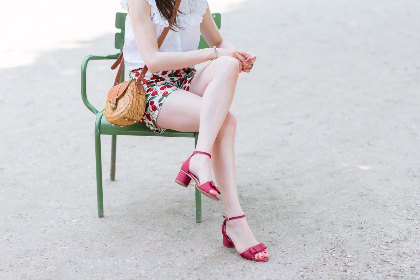 Blog-Mode-And-The-City-Looks-Le-Short-A-Cerises-8