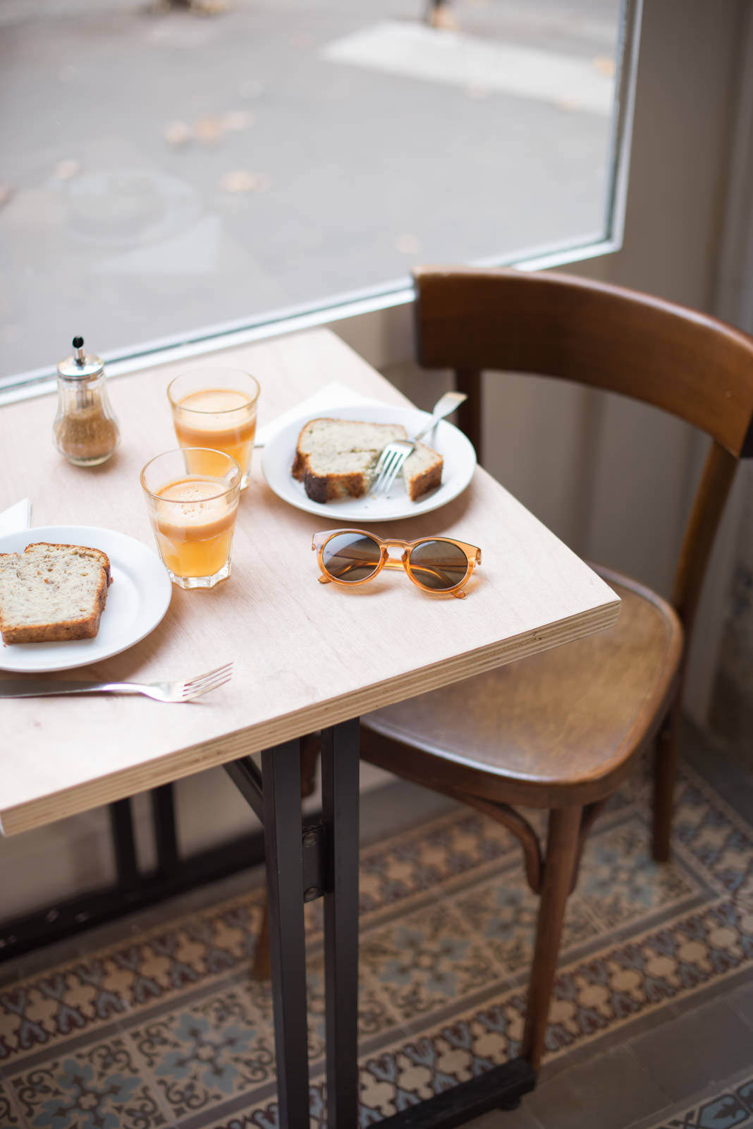 Blog-Mode-And-The-City-Looks-Cofee-Shop-FannyB