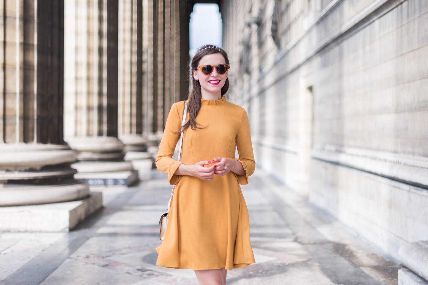 Blog-Mode-And-The-City-Looks-Robe-Moutarde-Mademoiselle-R-5