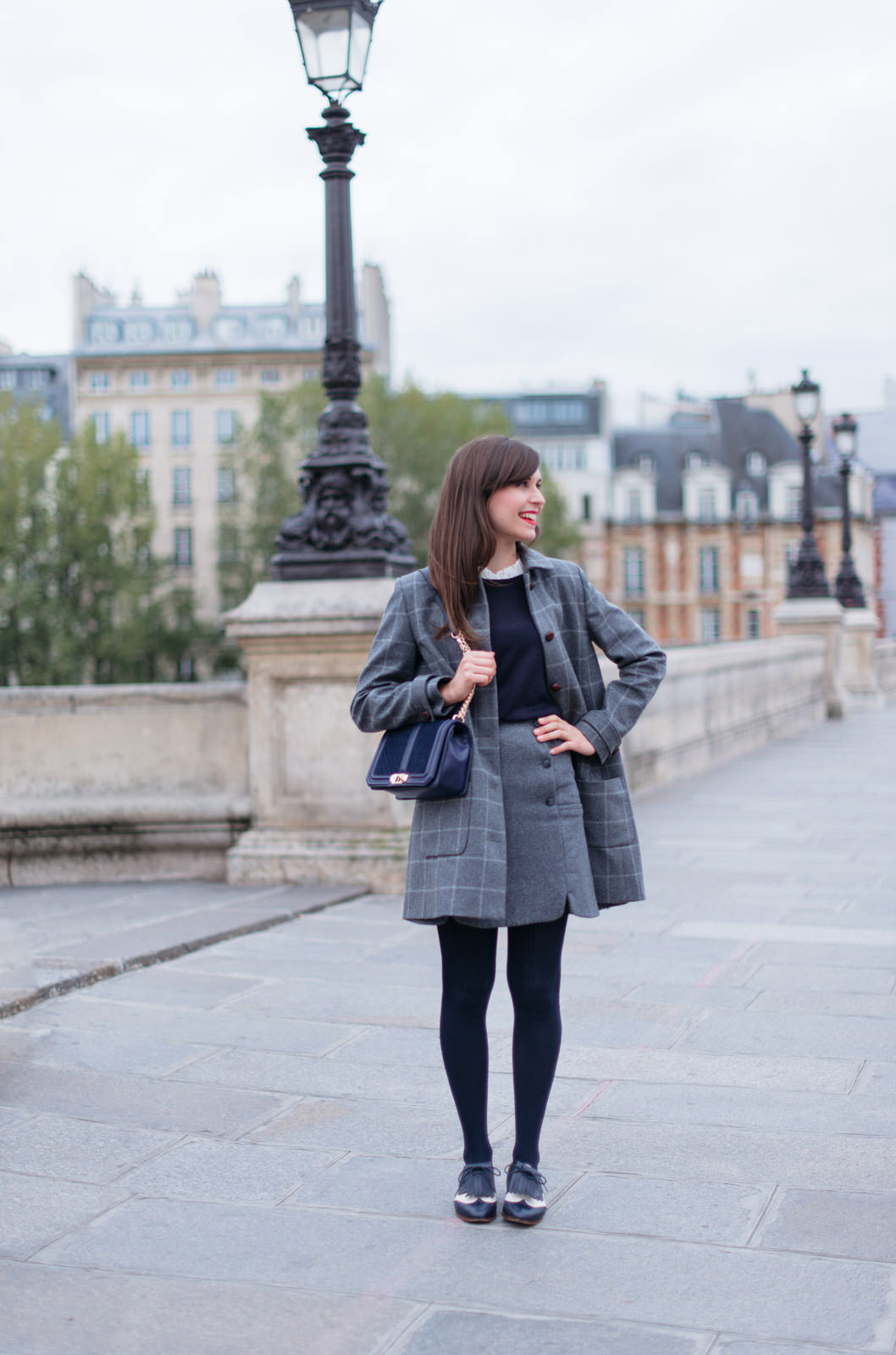 Blog-Mode-And-The-City-Looks-Manteau-Ringo-Sezane-carreaux-3