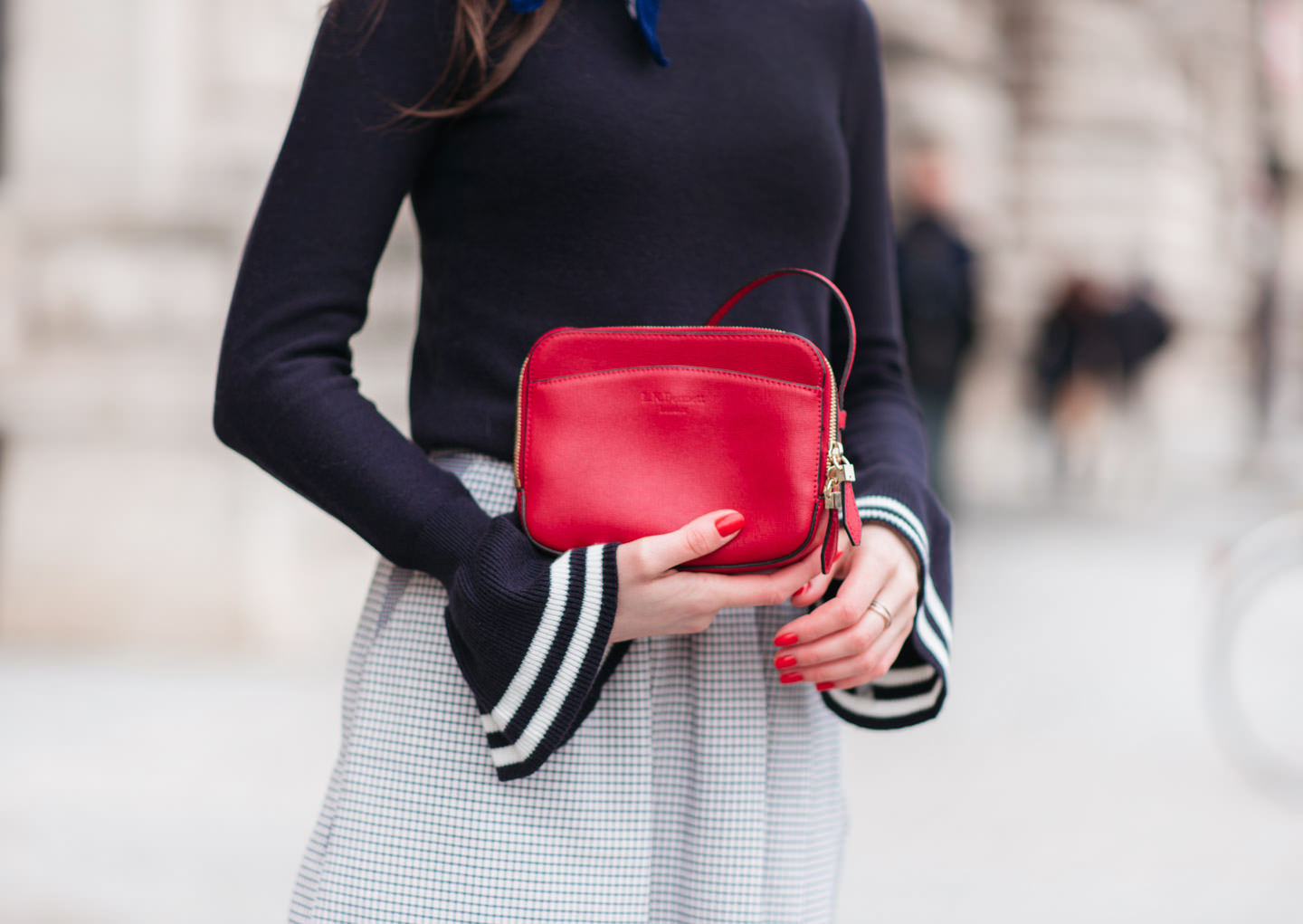 Blog-Mode-And-The-City-Looks-Manches-Cloches-11