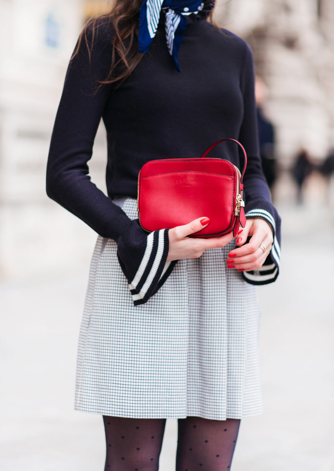Blog-Mode-And-The-City-Looks-Manches-Cloches-2