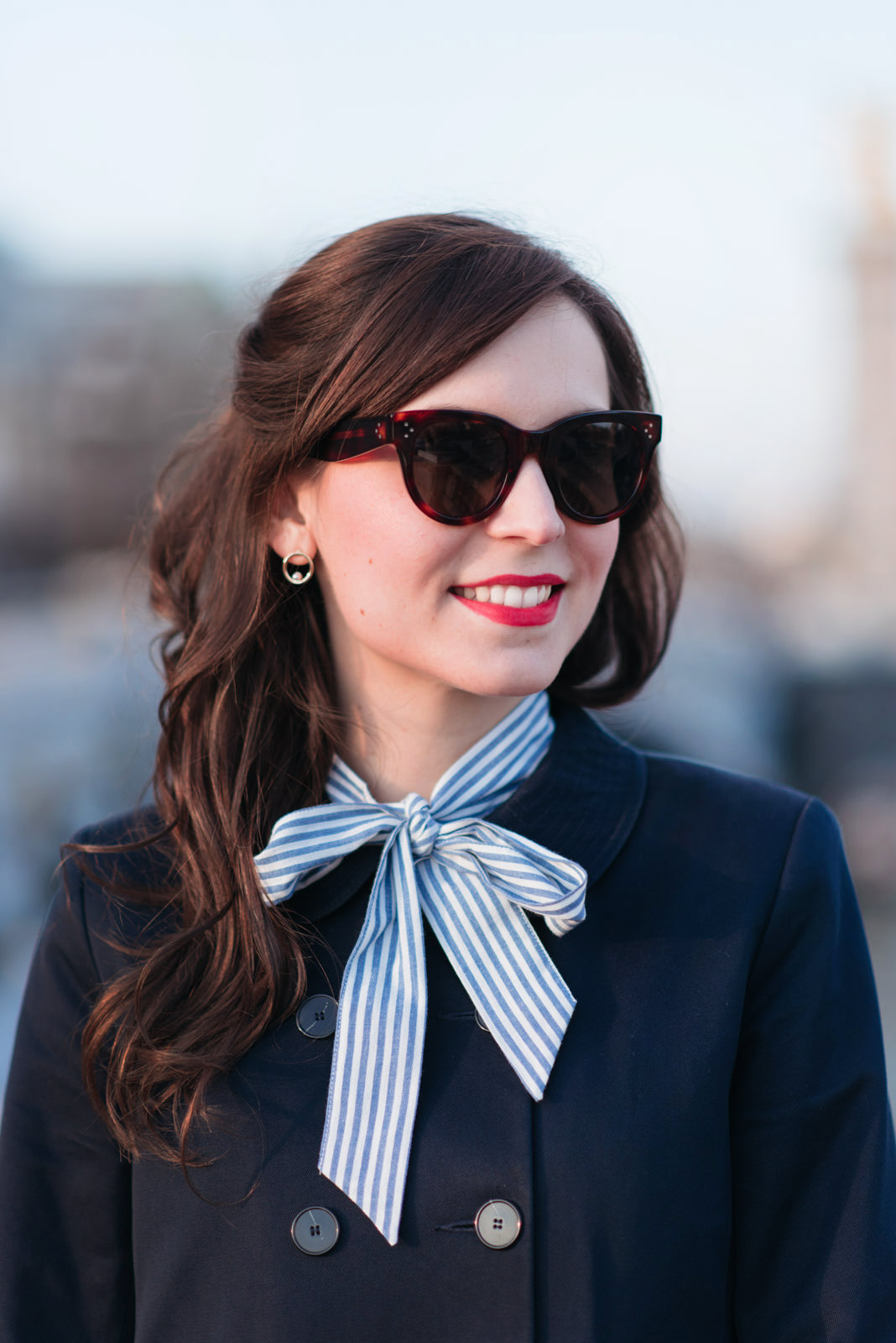 Blog-Mode-And-The-City-Looks-En-Sezane-Sur-Le-Pont-Alexandre-III-5