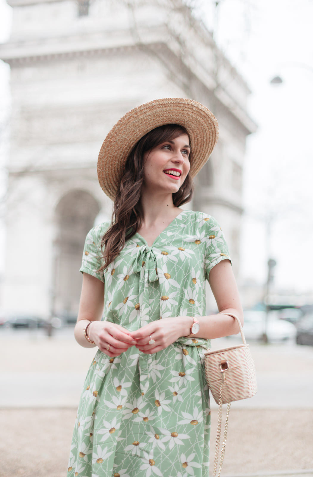 Blog-Mode-And-The-City-Looks-Robe-Fleuri-Arc-de-Triomphe-10