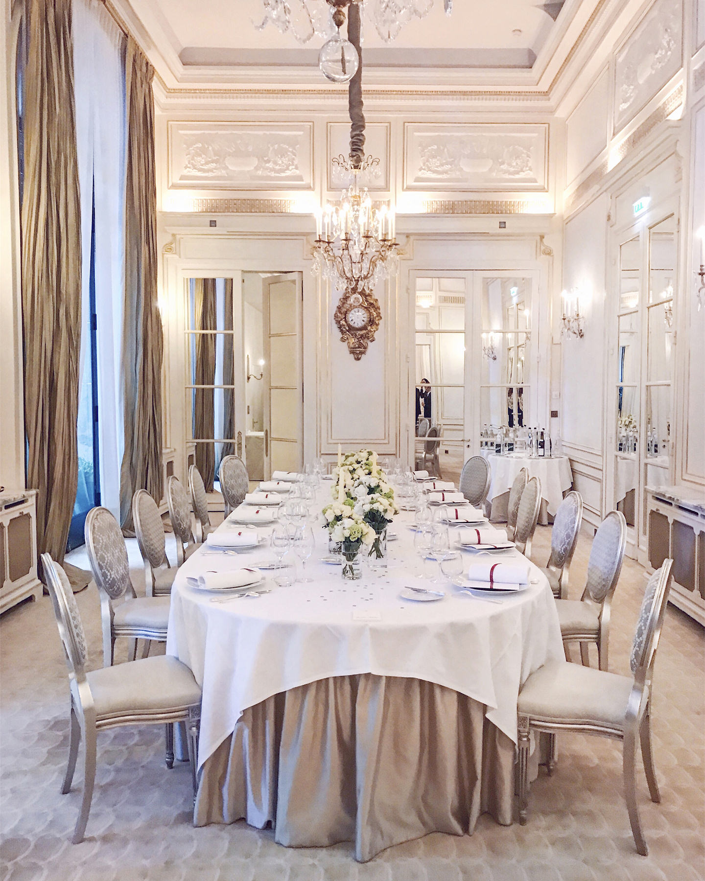 Blog-Mode-And-The-City-Lifestyle-Cinq-Petites-Choses-216-diner-dior-plaza-paris