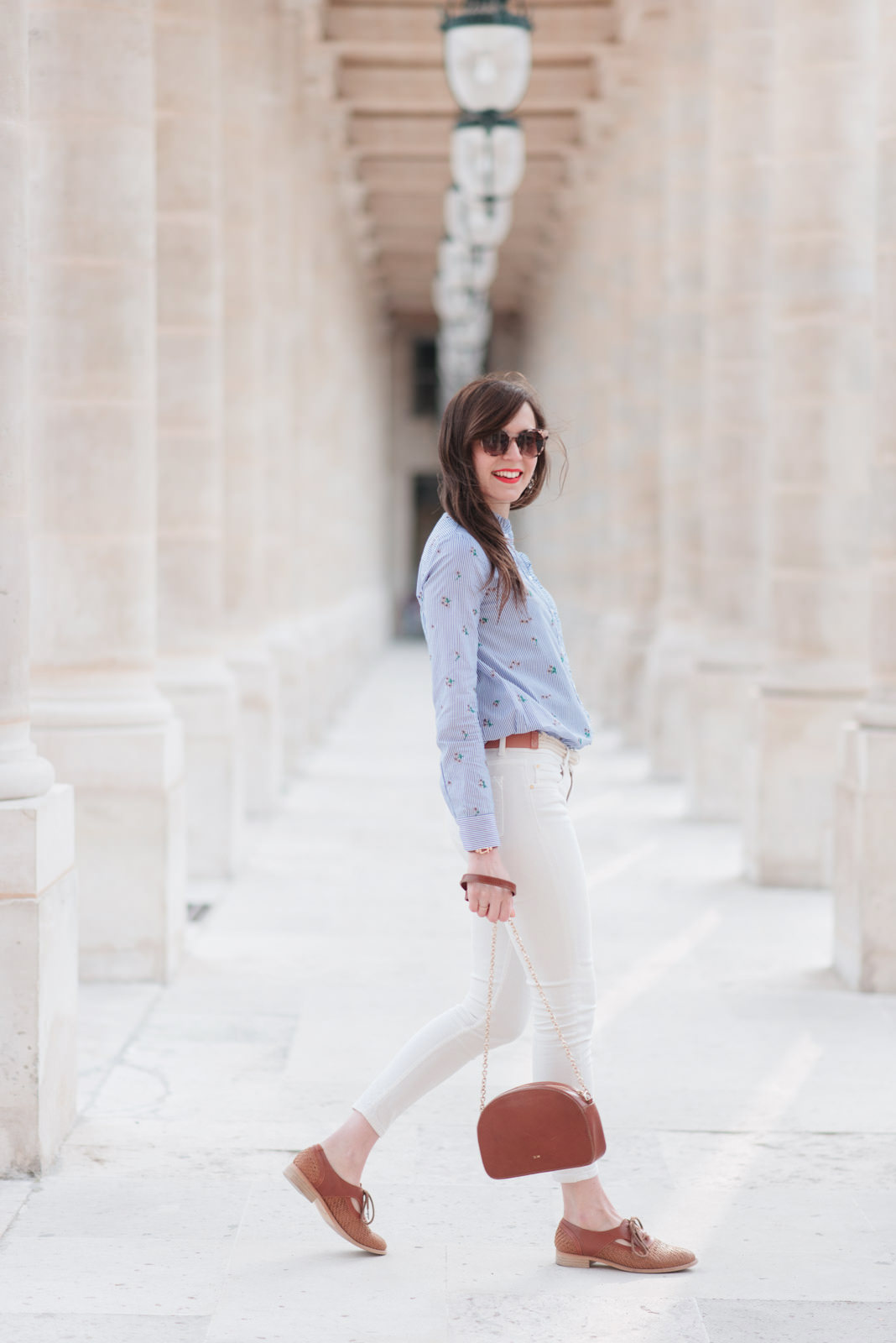 Blog-mode-And-The-City-Looks-Printemps-Panatalon-Blanc-2
