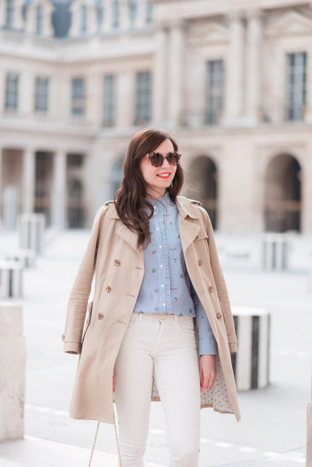 Blog-mode-And-The-City-Looks-Printemps-Pantalon-Blanc-5 copie