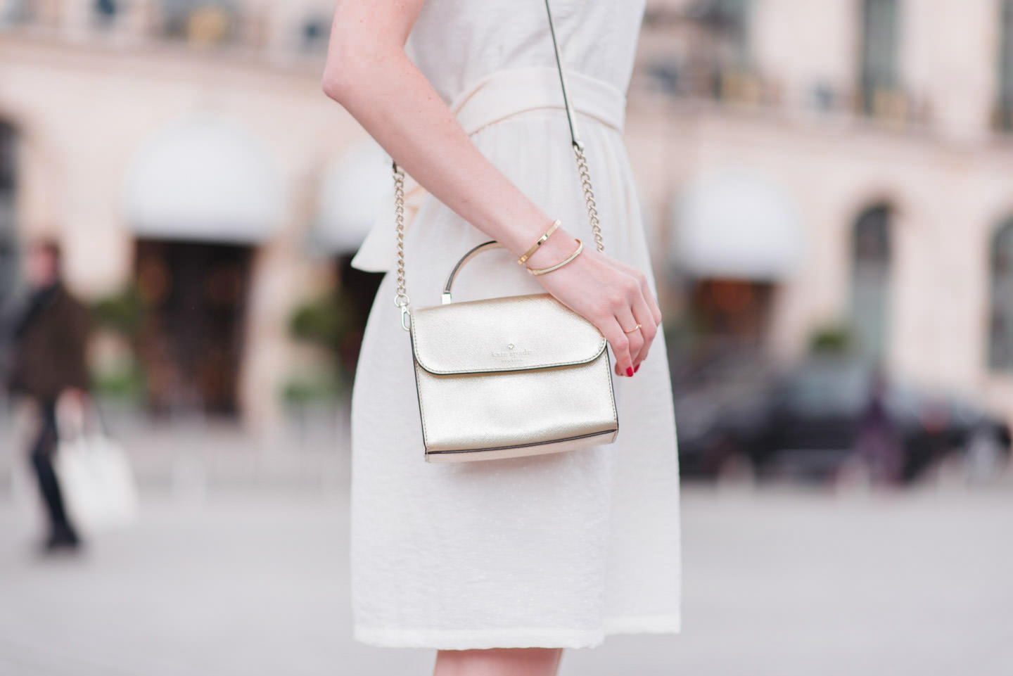 Blog-Mode-And-the-City-Looks-La-Robe-Blanche-Parfaite-4