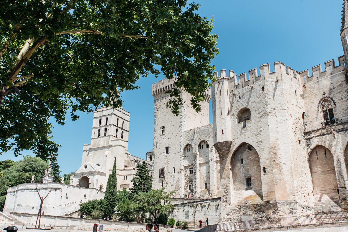 Blog-Mode-And-The-City-Lifestyle-Voyage-Avignon-Mas-Des-Herbes-Blanches-6