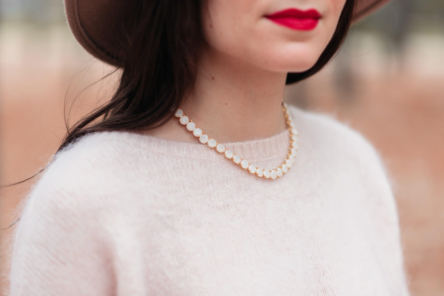 Blog-Mode-And-The-City-Looks-Jardins-du-luxembourg-pull-auguste-sezane-2