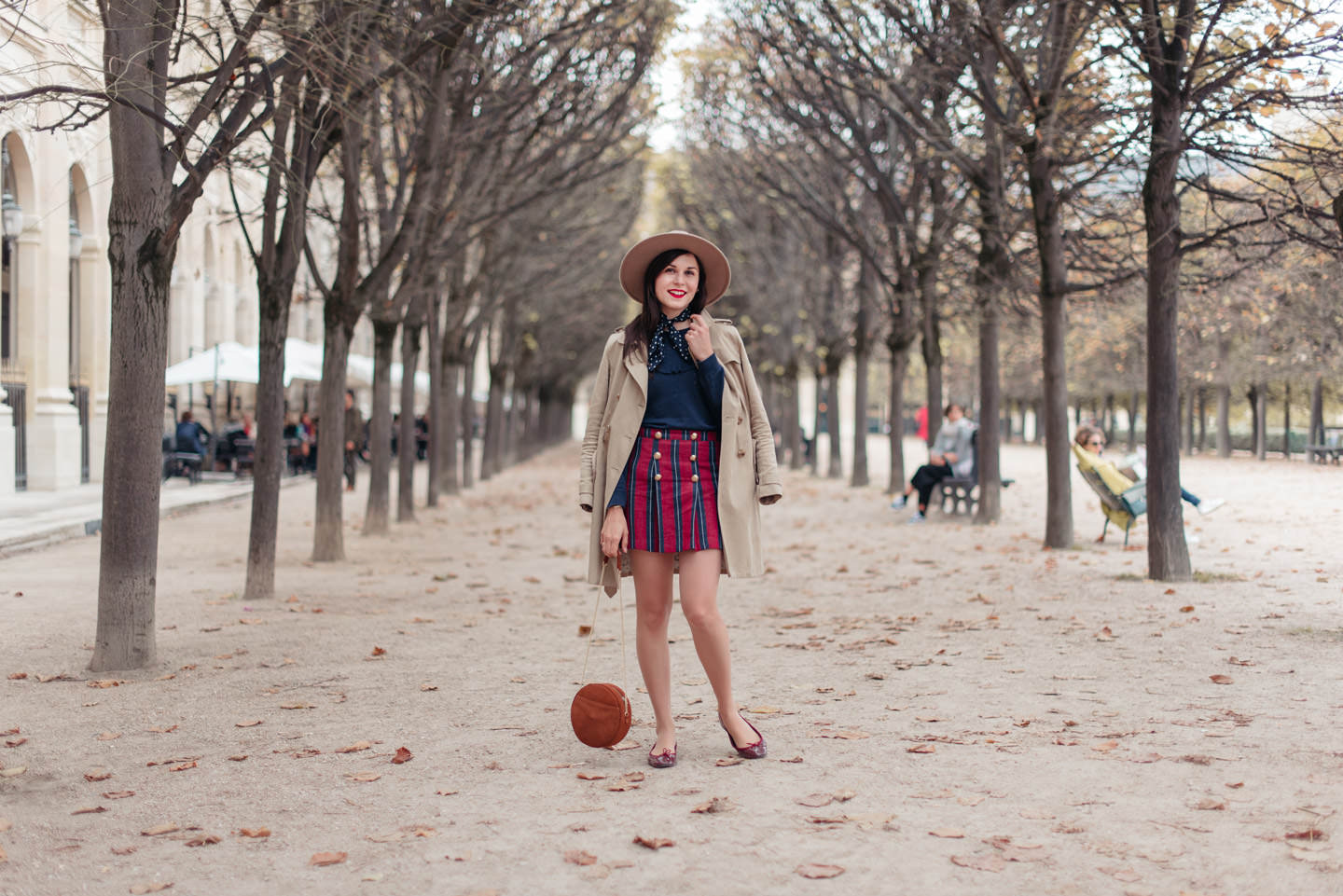 Blog-Mode-And-The-City-Looks-Jupe-Preppy-Automne-Palais-Royal-8