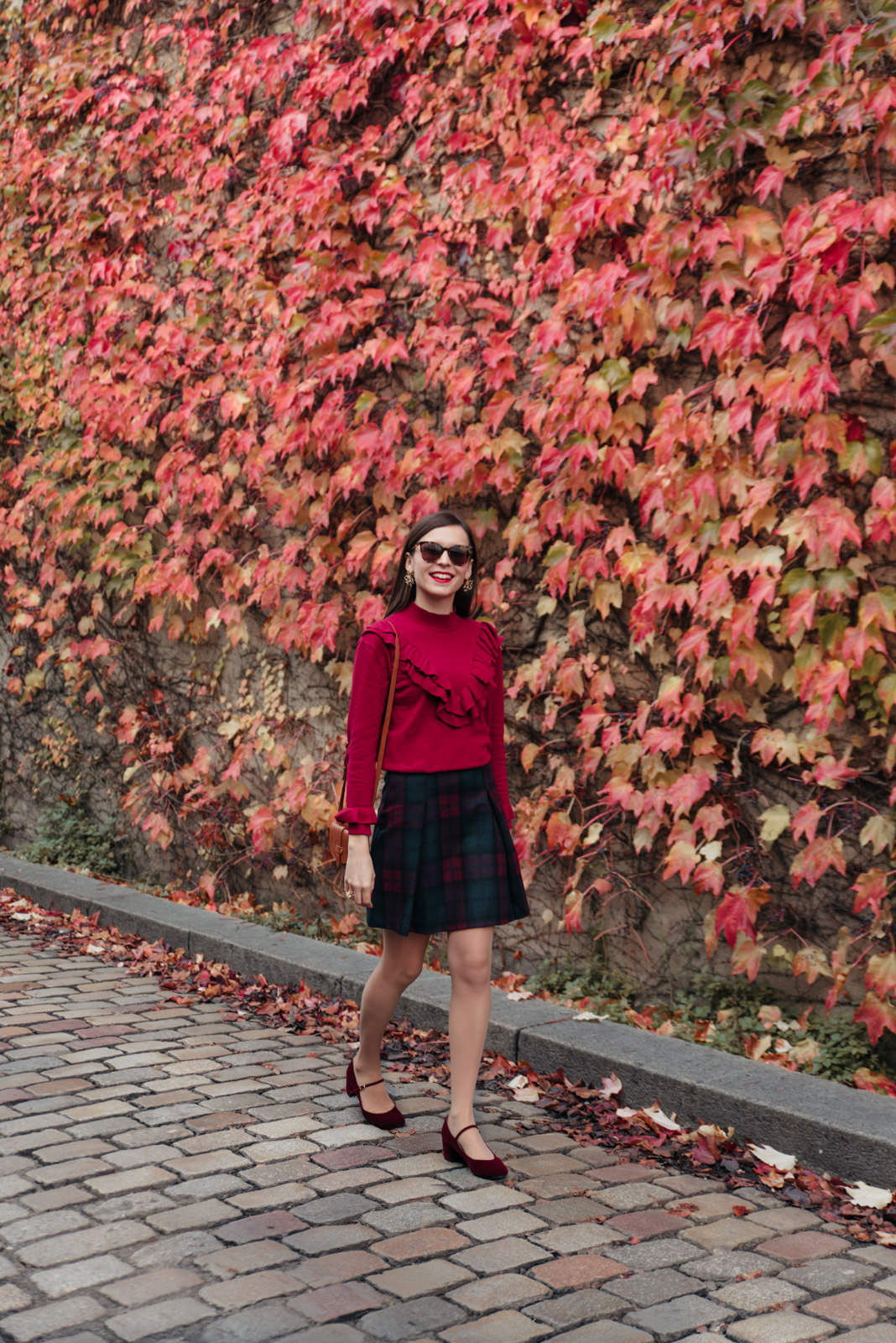 Blog-Mode-And-The-City-Looks-Mur-de-Feuilles-Montmartre-3