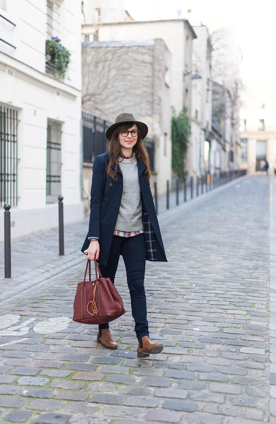 Blog Mode And The City - www.modeandthecity.net - Le pull gris doudou Gap - chemise carreaux Gap