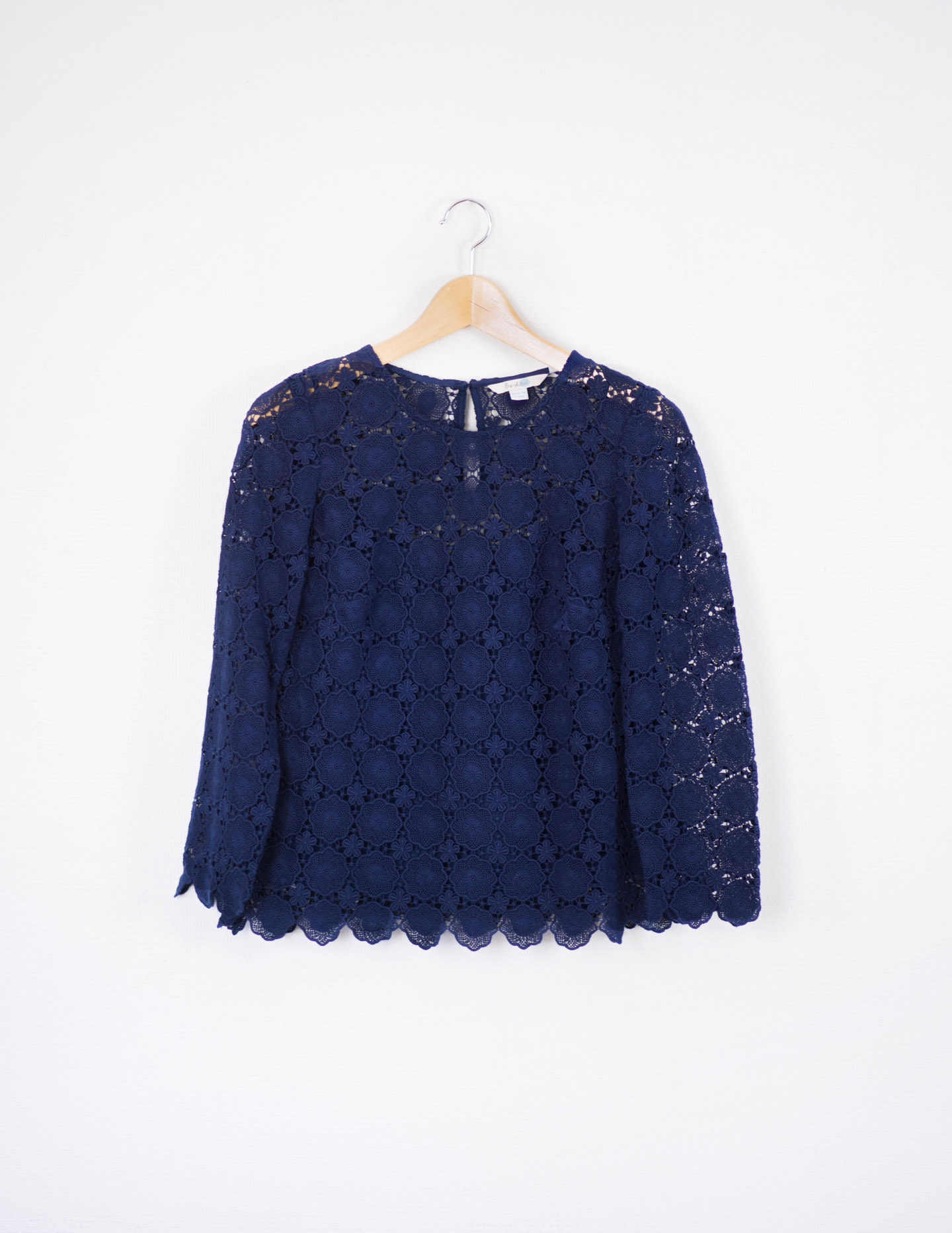 Blog-Mode-And-the-City-One-Picture-One-Hour-blouse-dentelle-boden-marine