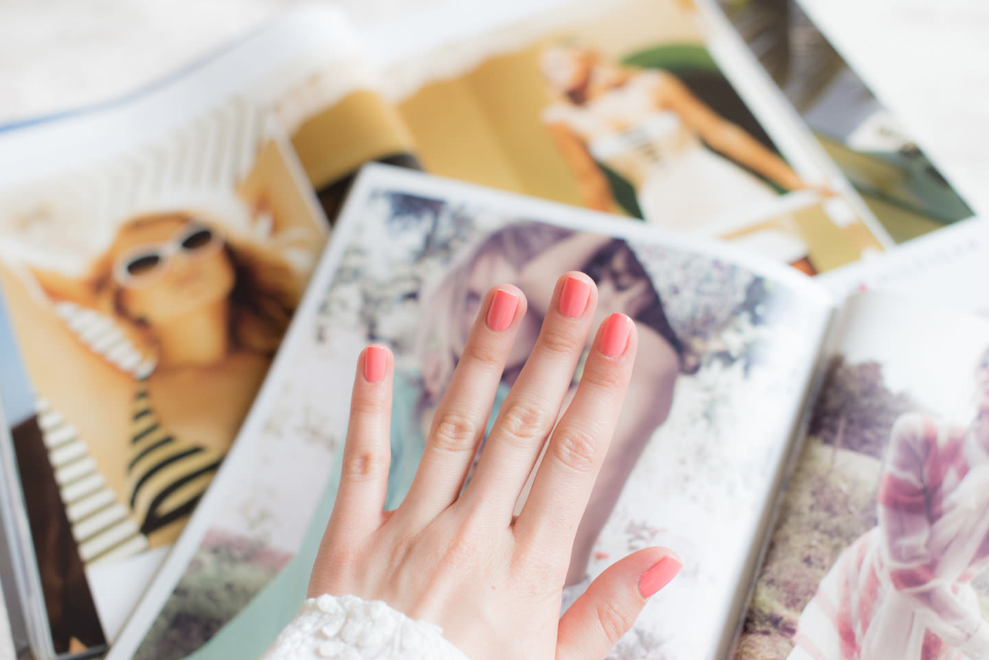 Blog-Mode-And-The-City-Lifestyle-Les-Cinq-Petites-Choses-126-vernis-ongles-corail-peggy-sage
