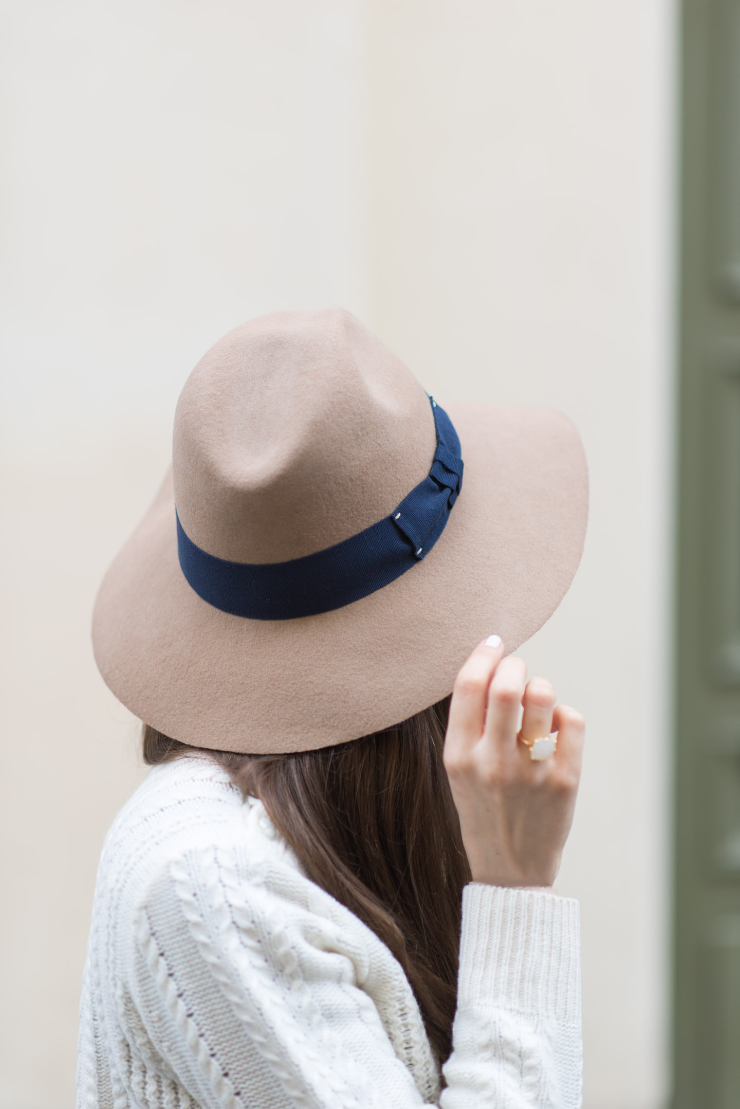 Blog-Mode-And-The-City-Lifestyle-Cadeaux-Noel-2015-Chapeau-Galeries-Lafayette