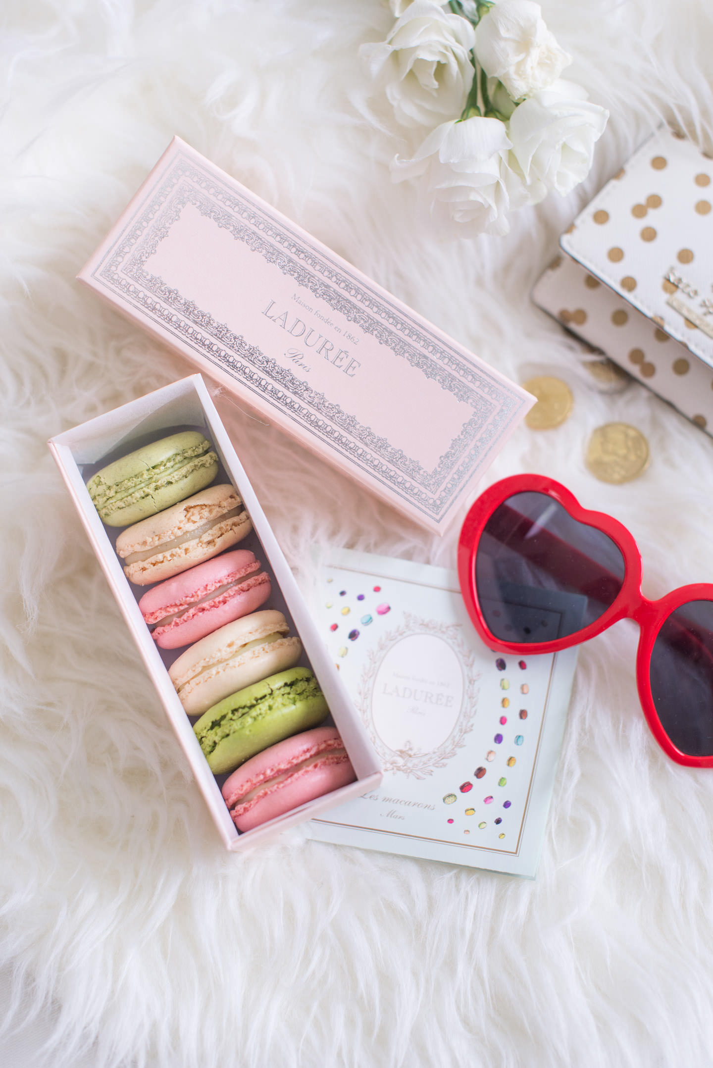 Blog-Mode-And-The-City-Lifestyle-paris-en-une-journee-laduree-4
