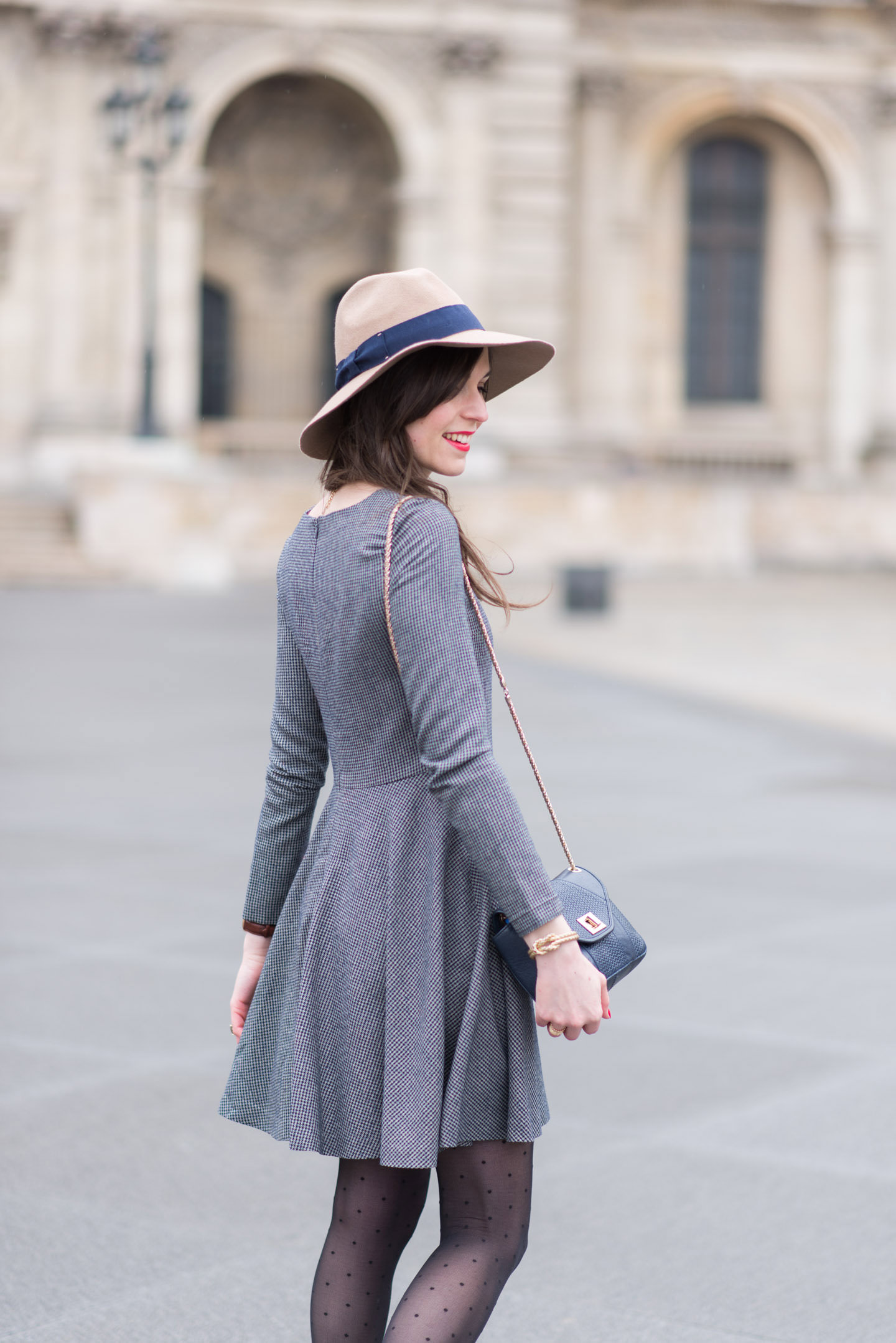 Blog-Mode-And-The-City-Looks-Tout-Gris-6