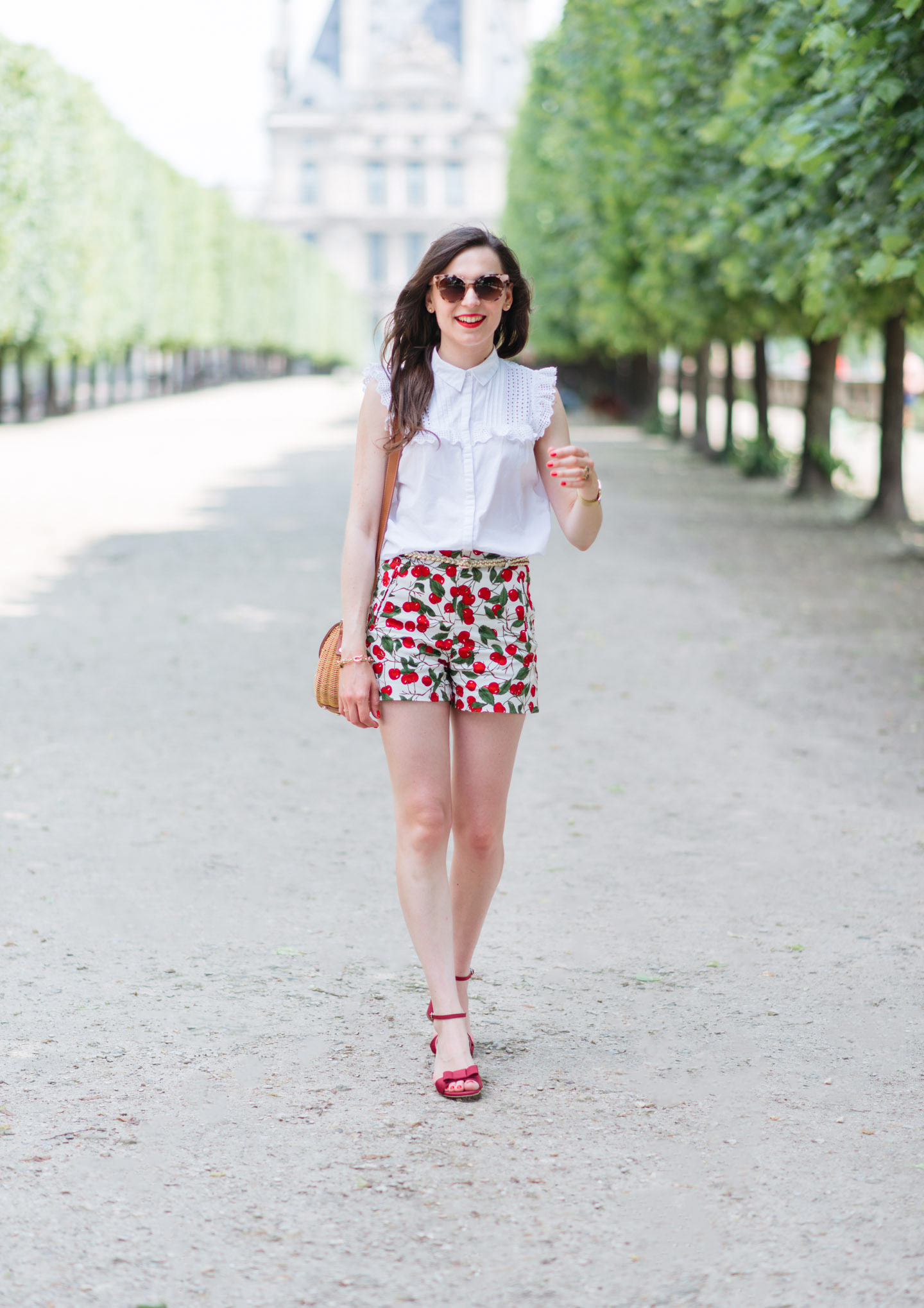 Blog-Mode-And-The-City-Looks-Le-Short-A-Cerises-5
