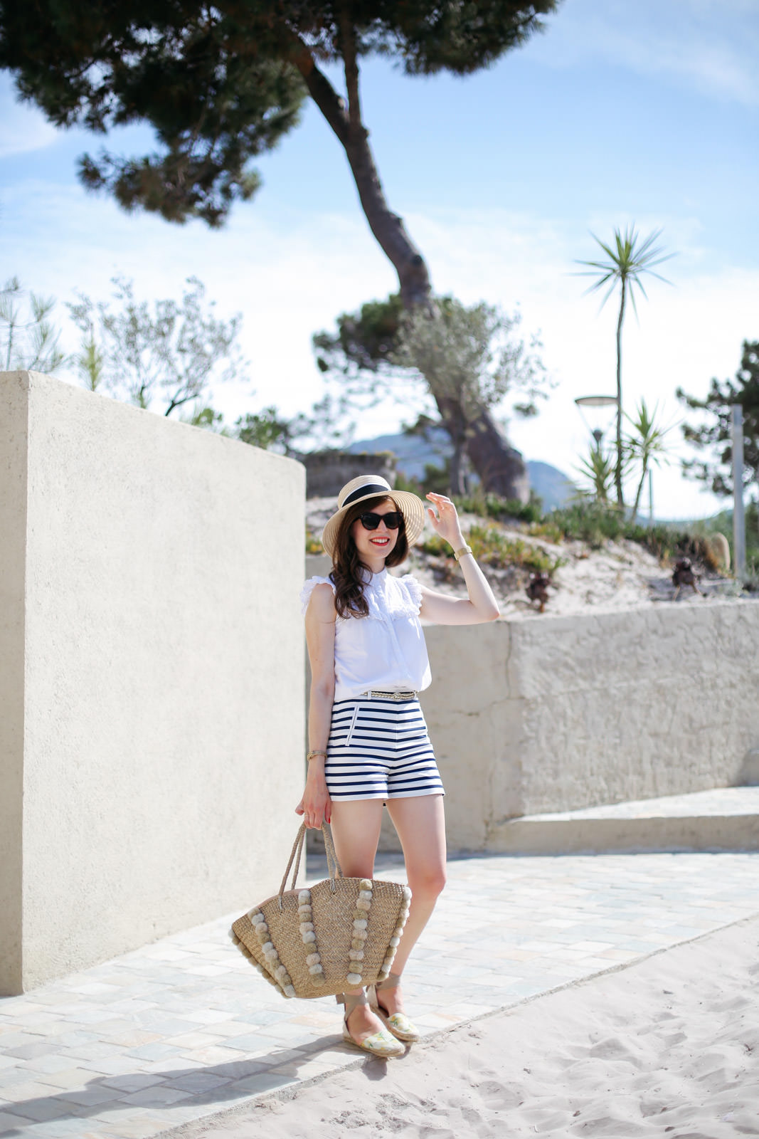Blog-Mode-And-The-City-Looks-Les-Pieds-Dans-Le-Sable-A-Calvi-3