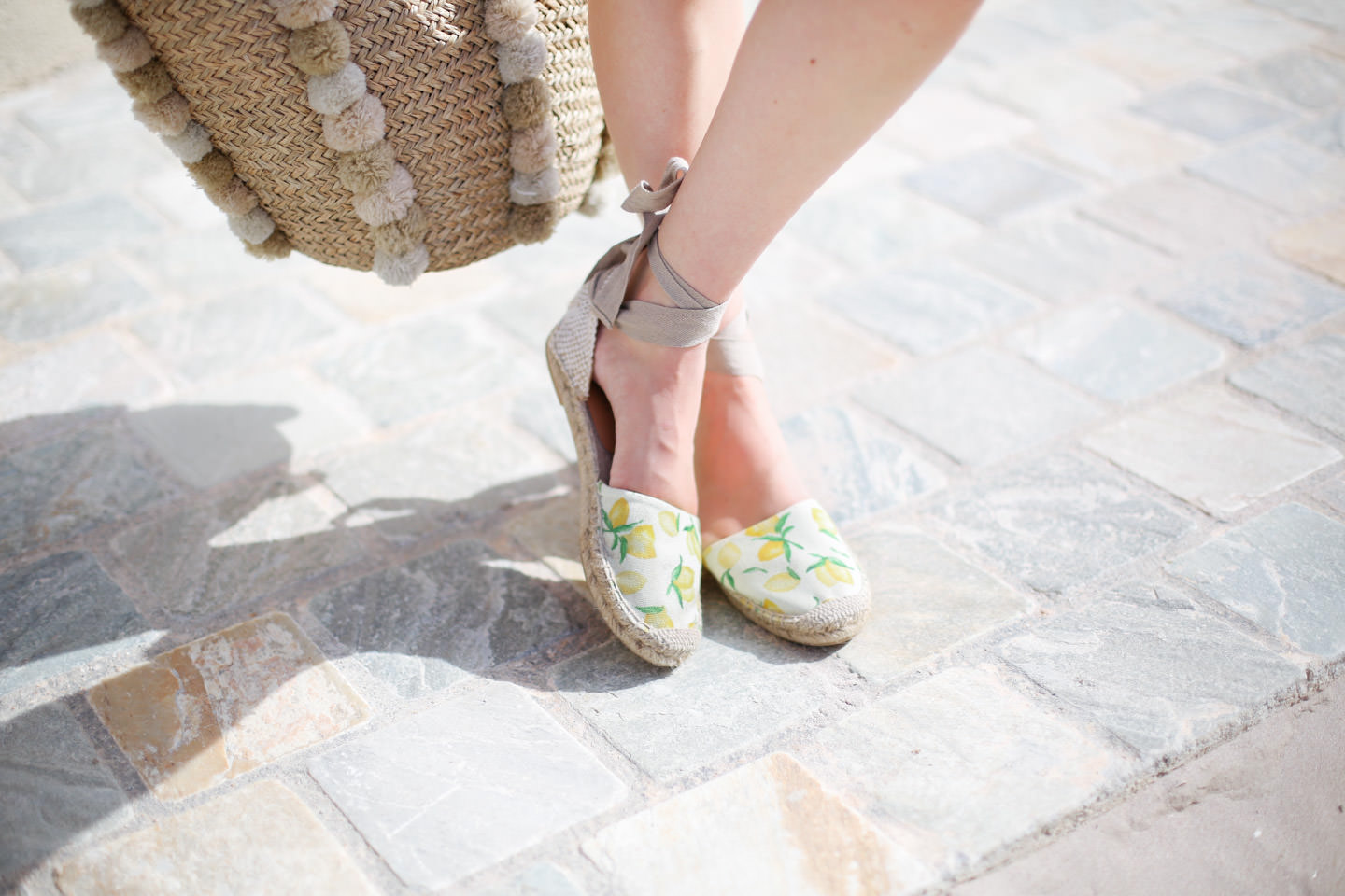 Blog-Mode-And-The-City-Looks-Les-Pieds-Dans-Le-Sable-A-Calvi-6
