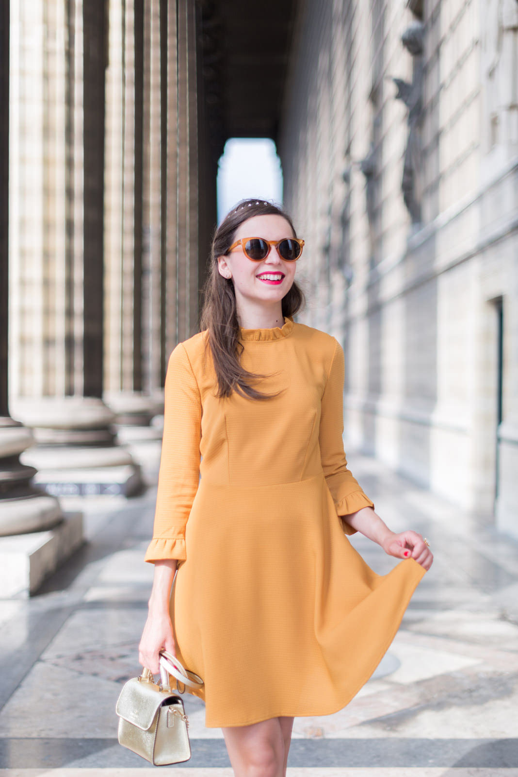 Blog-Mode-And-The-City-Looks-Robe-Moutarde-Mademoiselle-R-3