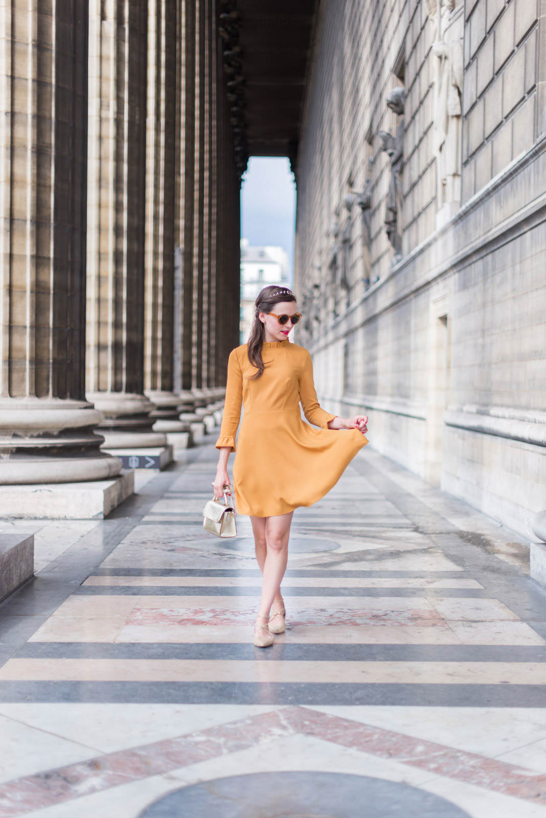 Blog-Mode-And-The-City-Looks-Robe-Moutarde-Mademoiselle-R-6