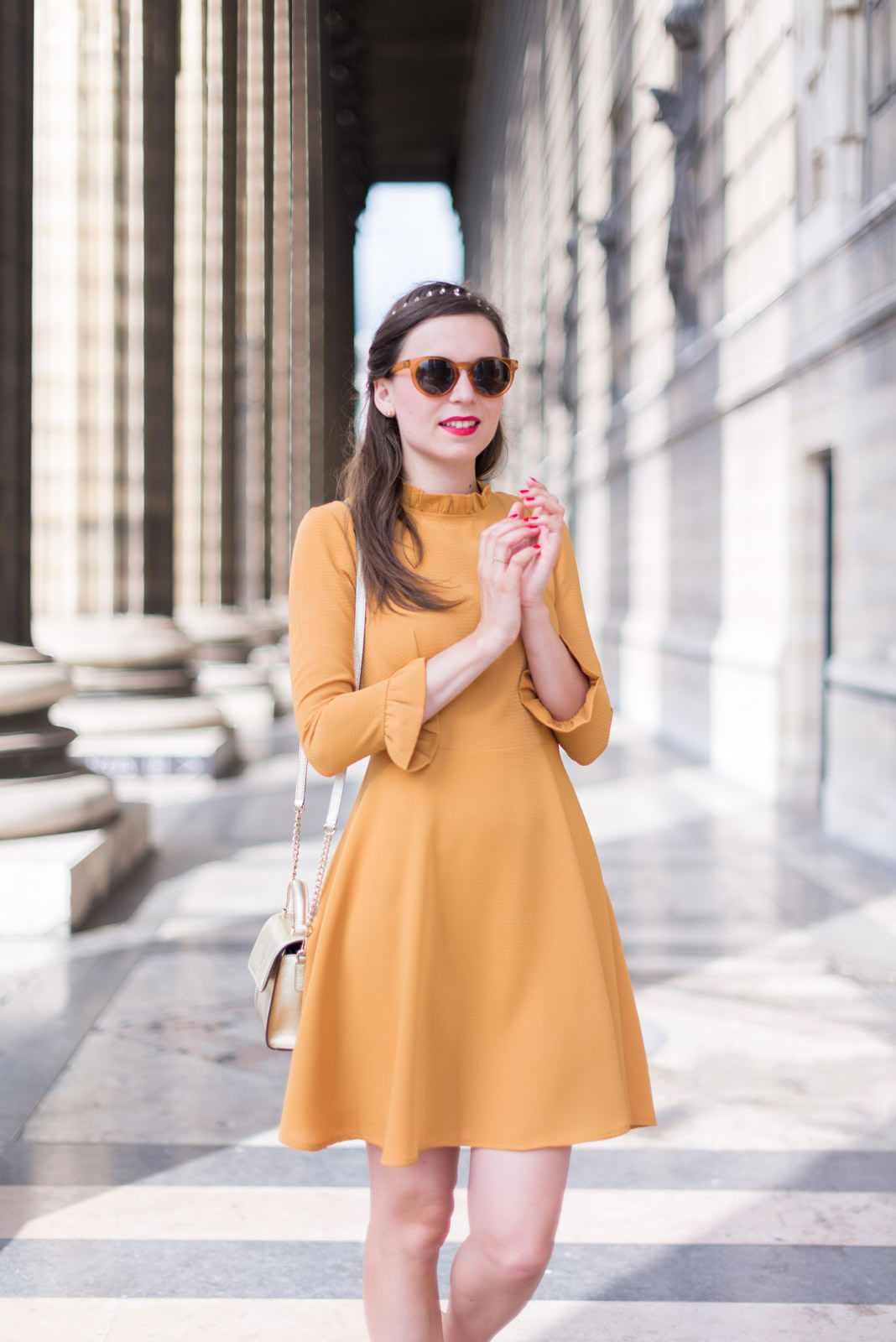 Blog-Mode-And-The-City-Looks-Robe-Moutarde-Mademoiselle-R