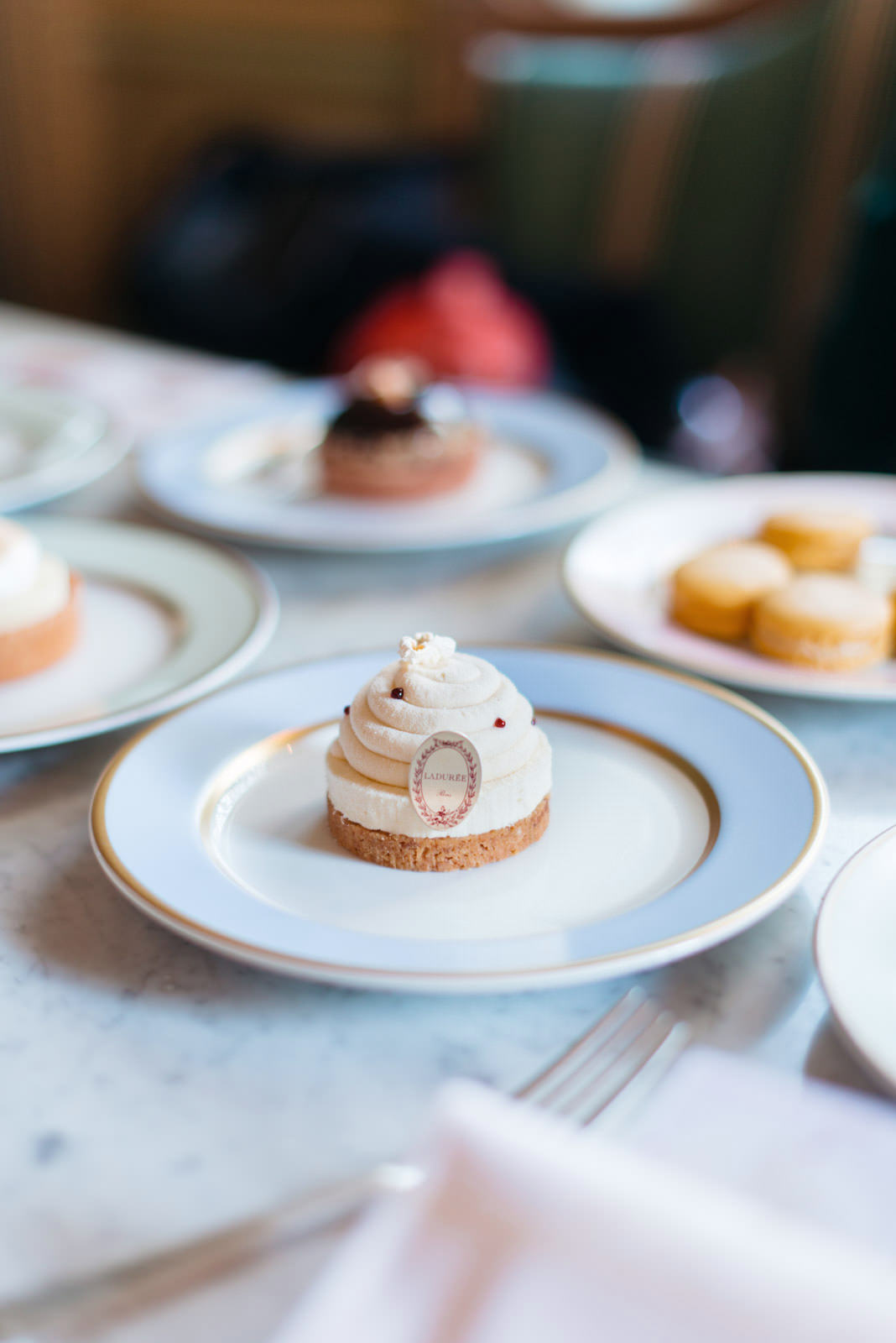 Blog-Mode-And-The-City-Lifestyle-Cinq-petites-Choses-192-laduree