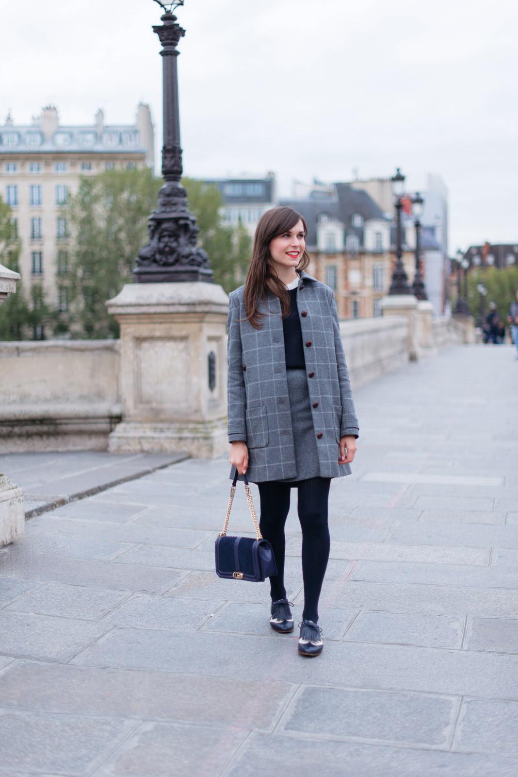 Blog-Mode-And-The-City-Looks-Manteau-Ringo-Sezane-carreaux-2