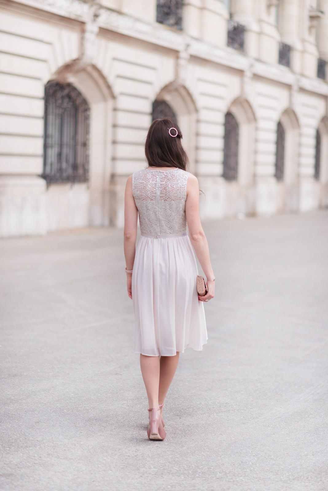 Blog-Mode-And-The-City-Looks-Tenue-Fetes-1-2-3-paris-4