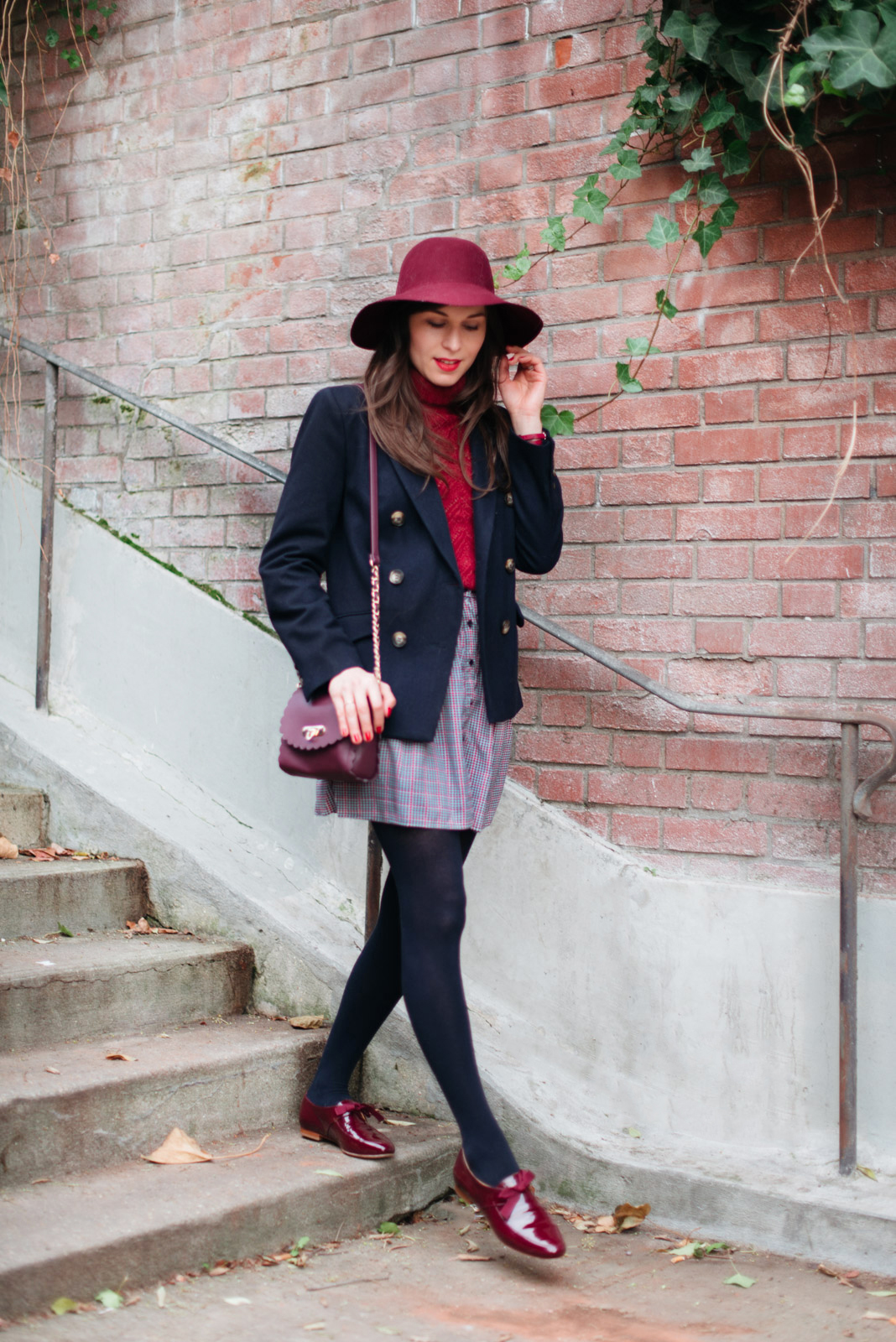 Blog-Mode-And-The-City-Looks-En-Bordeaux-Marine-7