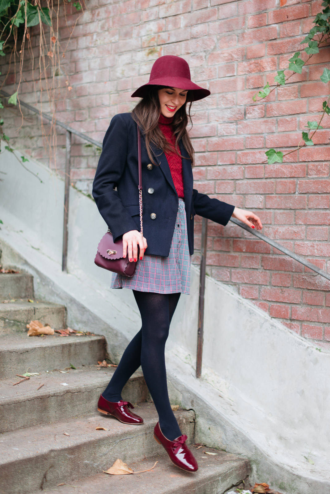 Blog-Mode-And-The-City-Looks-En-Bordeaux-Marine-4
