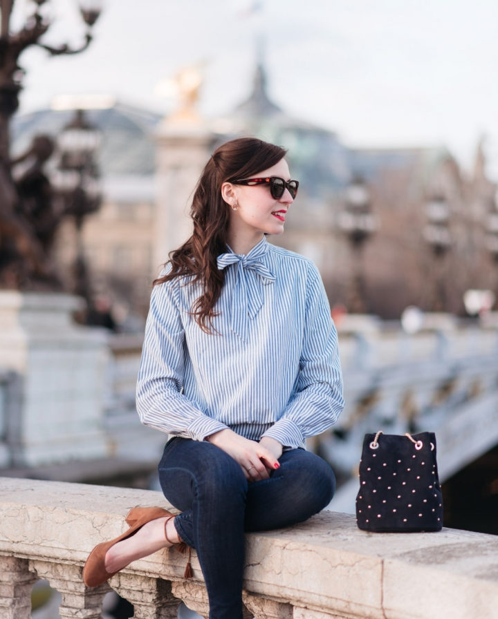 Blog-Mode-And-The-City-Looks-En-Sezane-Sur-Le-Pont-Alexandre-III-9