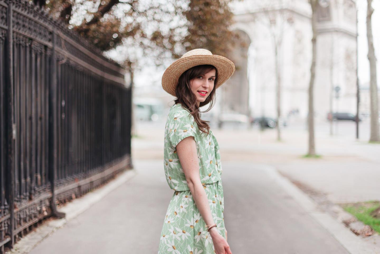 Blog-Mode-And-The-City-Looks-Robe-Fleuri-Arc-de-Triomphe-5