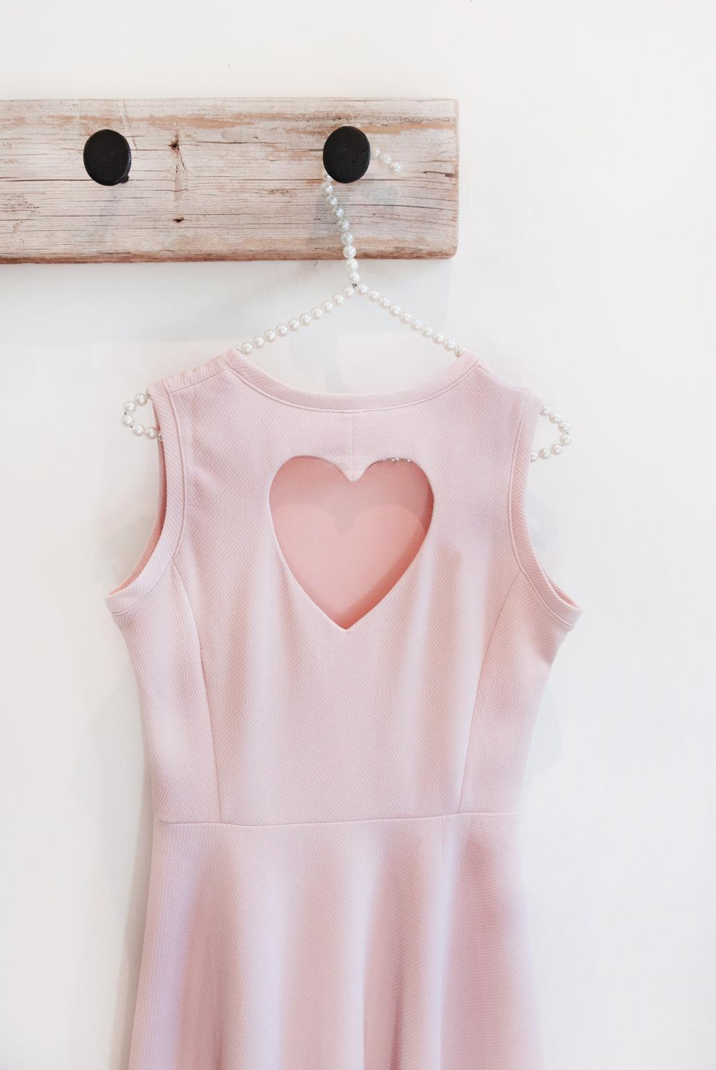 Blog-mode-And-The-City-Lifestyle-Cinq-Petites-Choses-214-robe-dos-coeur-LR