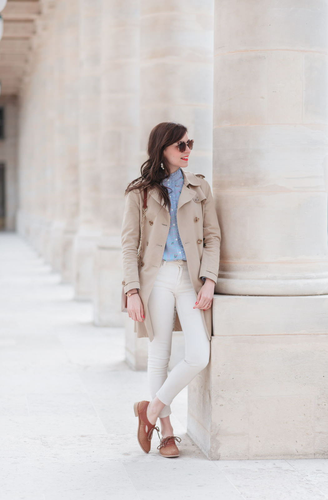 Blog-mode-And-The-City-Looks-Printemps-Pantalon-Blanc