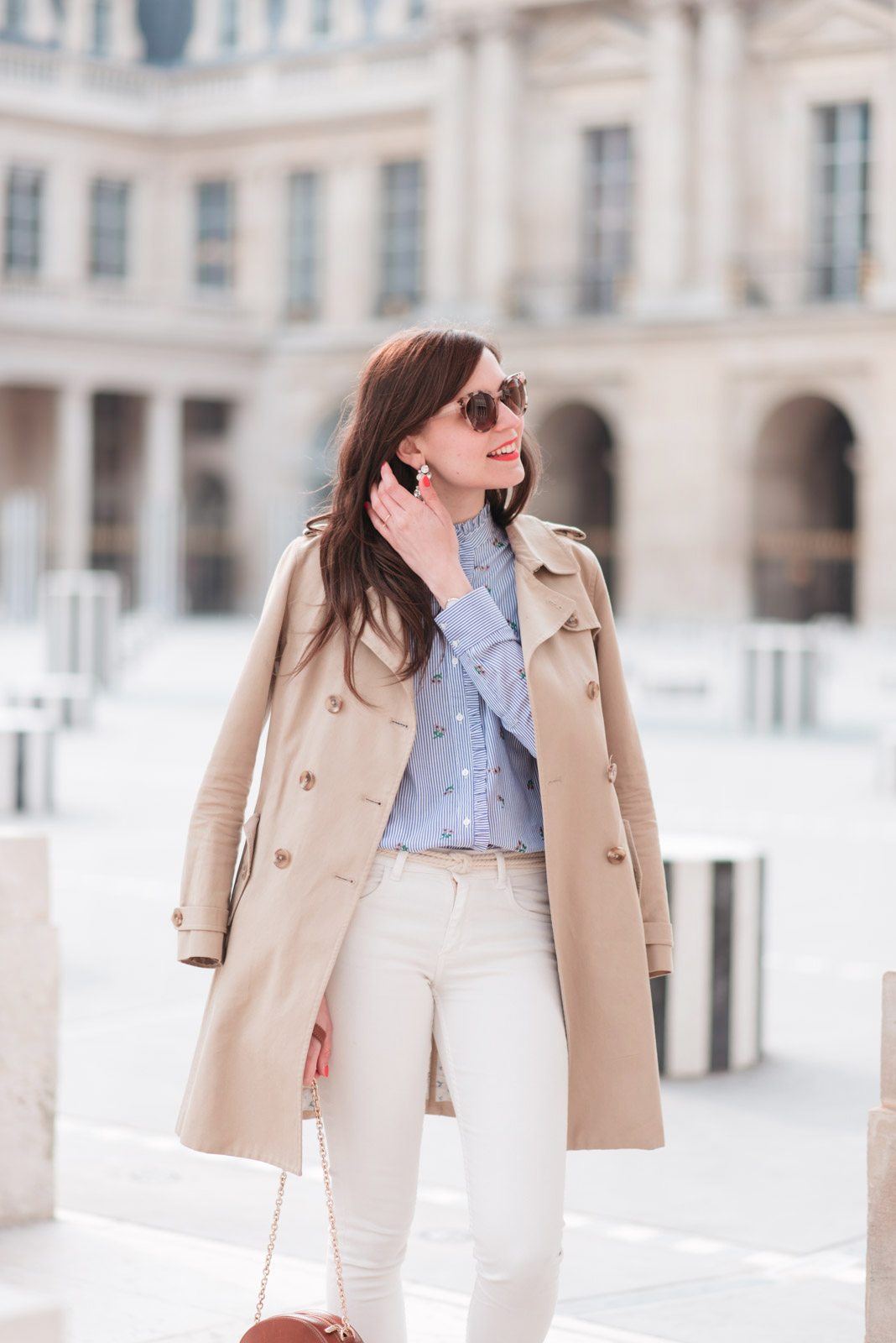 Blog-mode-And-The-City-Looks-Printemps-Pantalon-Blanc-6 copie