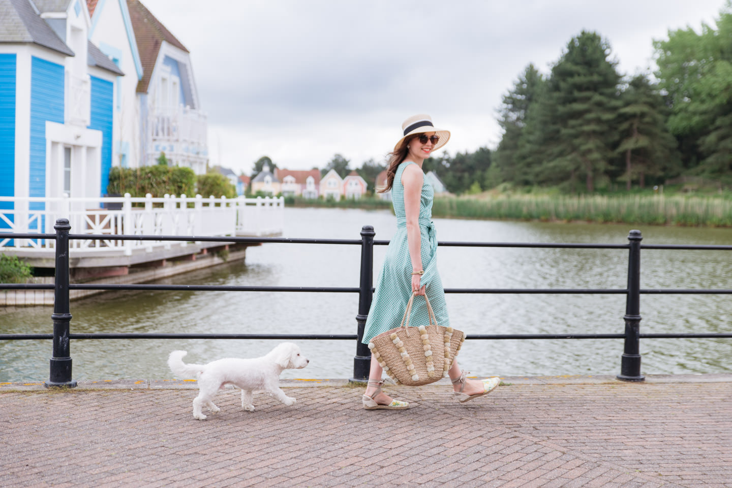 Blog-Mode-And-The-City-Lifestyle-Sortir-Voyager-Son-chien02