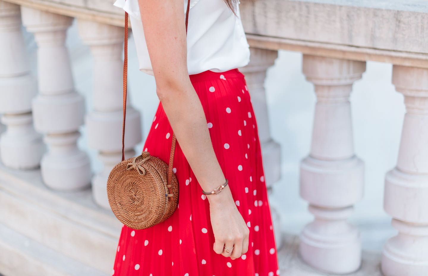 Blog-Mode-And-The-City-Looks-Jupe-rouge-a-pois-2