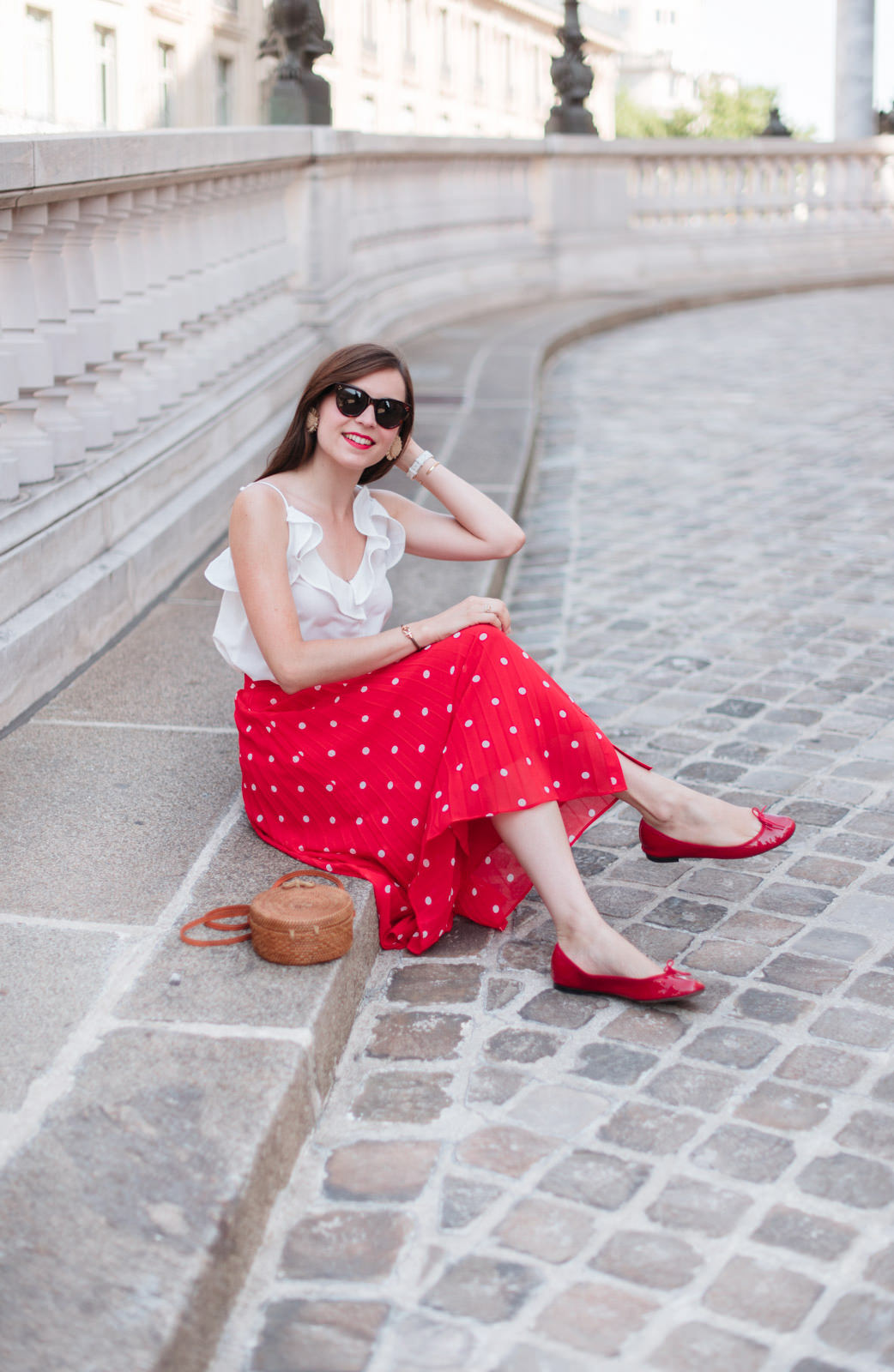 Blog-Mode-And-The-City-Looks-Jupe-rouge-a-pois-3