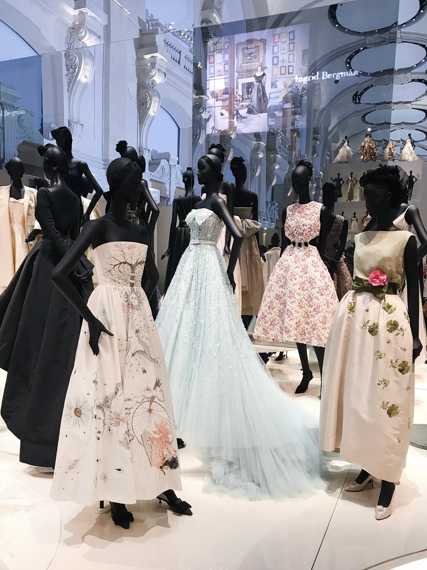 Blog-Mode-And-The-City-Lifestyle-Cinq-Petites-Choses-exposition-Dior-musee-des-arts-decoratifs