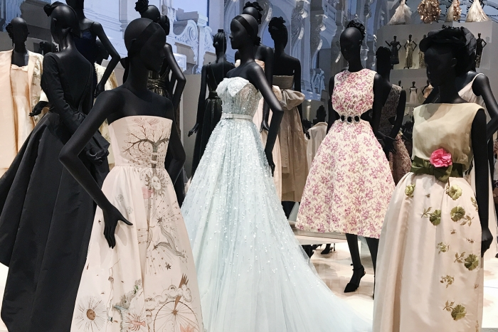 Blog-Mode-And-The-City-Lifestyle-Cinq-Petites-Choses-exposition-Dior-musee-des-arts-decoratifs