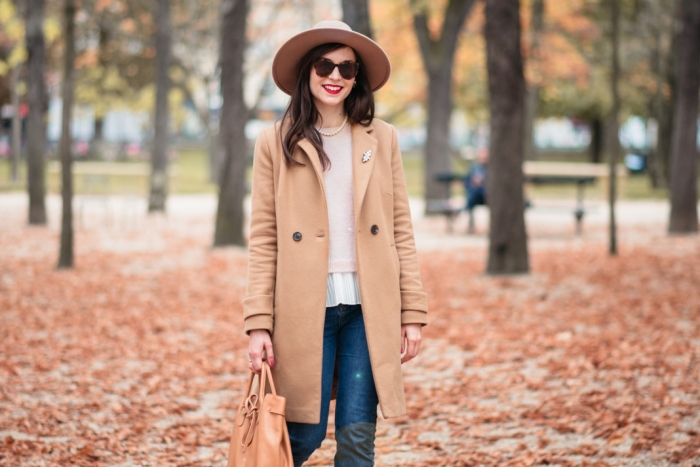 Blog-Mode-And-The-City-Looks-Jardins-du-luxembourg-pull-auguste-sezane
